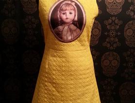 Цікава мінісукня з портретом дівчинки