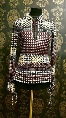 Строката блуза в стилі 70-х