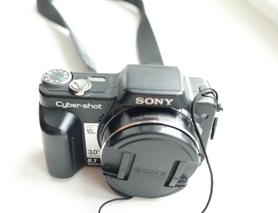 Фотоапарат Sony DSC-H10 + карта пам'яті 4GB у подарунок!