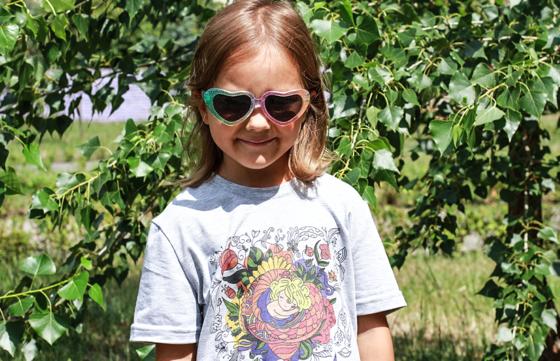 """Дитяча футболка для дівчат """"Вона виросте неймовірною"""""""
