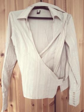 Стильная рубашка MANGO с запахом
