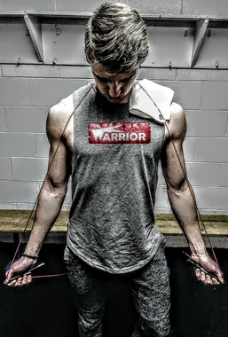 Швидкісна скакалка Warrior Fitness на підшипниках, із запасним шнурком