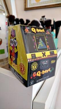 Іграшка-сюрприз Q*bert від Funko, нова