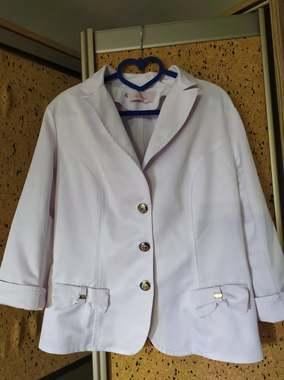 Пиджак весенний белый 48 размер