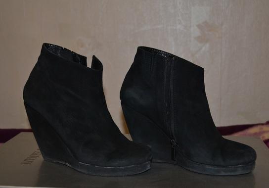 Туфлі, чоботи, черевики